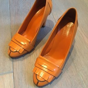 Gucci orange high heel pumps size 34 1/2C